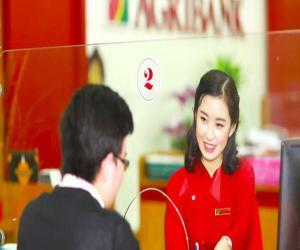 cung-la-ong-lon-ngan-hang-von-nha-nuoc-nhung-agribank-vua-tien-phong-mien-phi-chuyen-tien-cho-khach-hang-trong-khi-vietcombank-vietinbank-bidv-van-cam-cui-nhat-tien-le